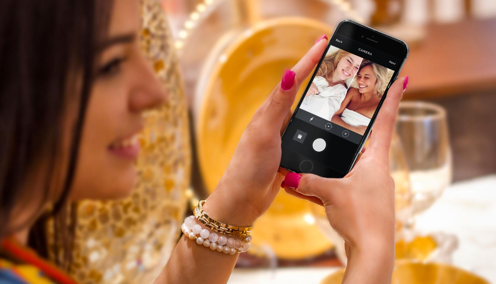 Girl using #Somethingincommon's app by Mango